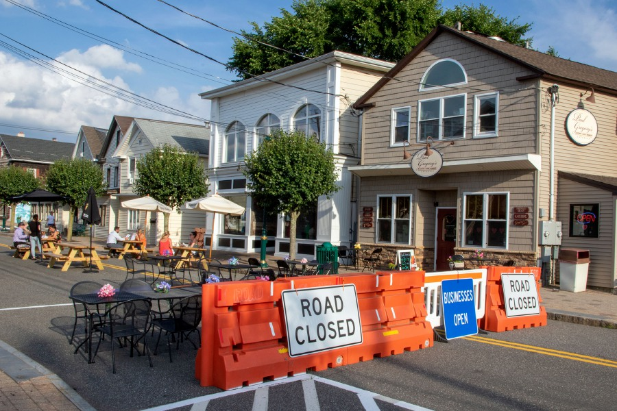The section of Center Street between Liberty Street and High Street in Southington is closed for traffic so that restaurants in that area can have outdoor seating. Photos by Aaron Flaum, Record-Journal