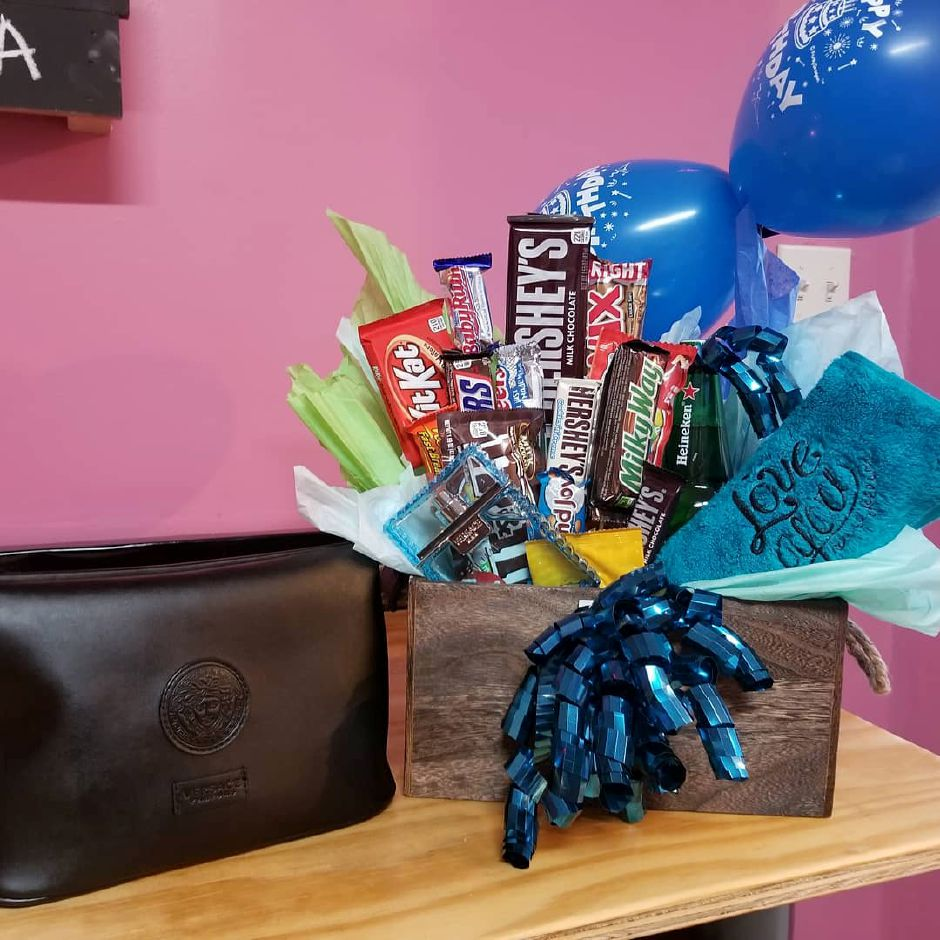 A gift basket made at Stravaganxxa, 182 Quinnipiac Ave. in Wallingford. | Photo Courtesy of Stravaganxxa