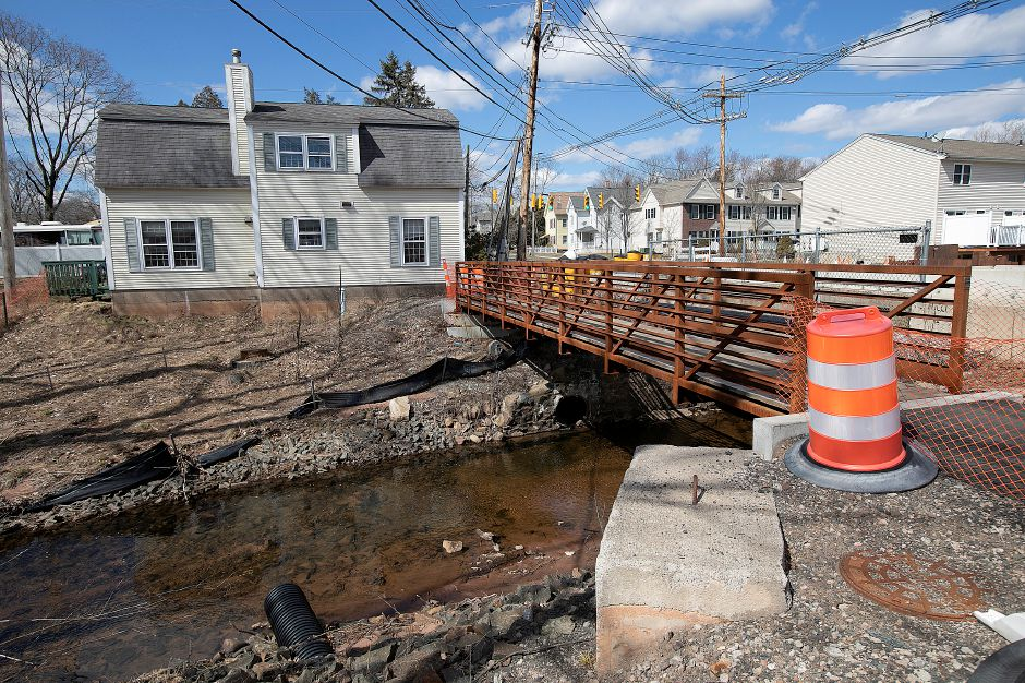A pedestrian bridge built as part of the East Center Street bridge construction project over Wharton Brook in Wallingford, Mon., Mar. 18, 2019. Dave Zajac, Record-Journal