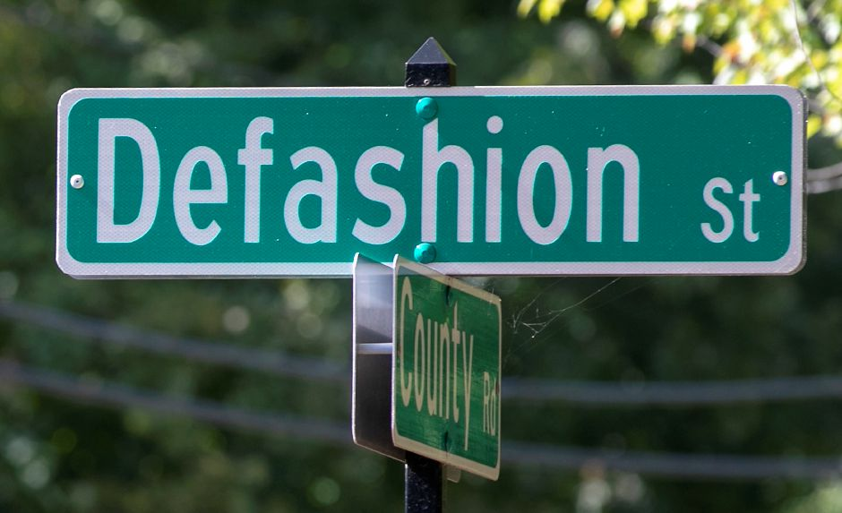 Defashion St. at County Road in Southington, Wed., Sept. 23, 2020. Dave Zajac, Record-Journal