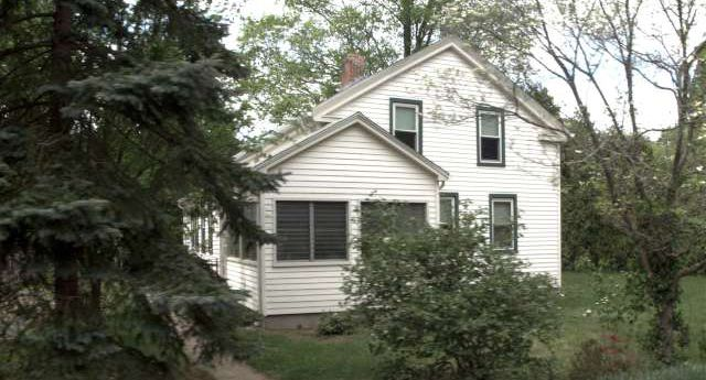 Jeanne Petit to Brook Ahlquist, 997 Marion Ave., $181,000.