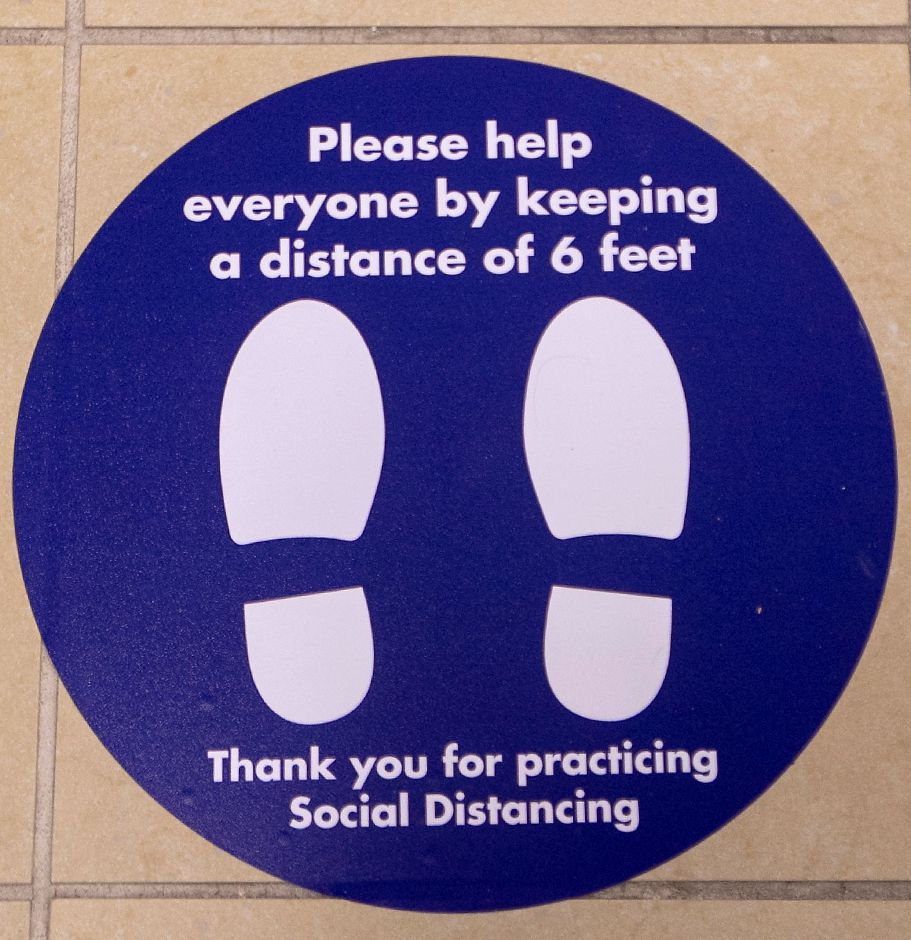 New social distancing markers guide shoppers at Boscov