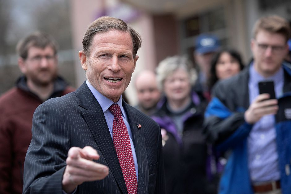 U.S. Sen. Richard Blumenthal D-Connecticut speaks to striking Stop & Shop employees in Wallingford, Mon., Apr. 15, 2019. Dave Zajac, Record-Journal