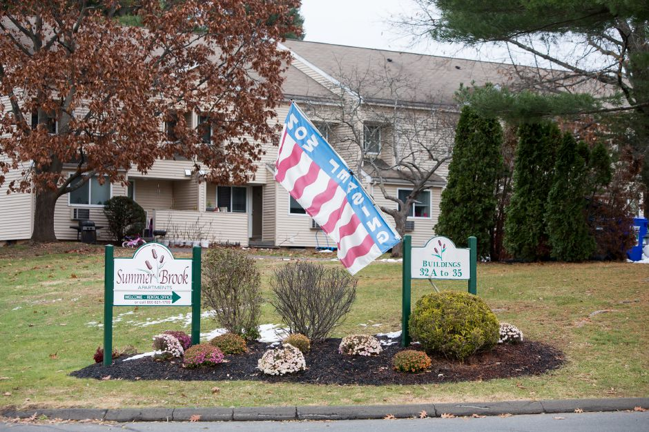 Sunny Brook Apartments where Southington Police served a search warrant based on an anonymous tip of a man selling an assault rifle Wednesday in Southington November 21, 2018 | Justin Weekes / Special to the Record-Journal