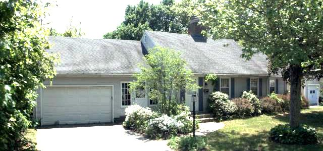 John M. Giaccotto and Marisa L. Giaccotto to Michelle Burns, 138 Southington Ave., $244,900.