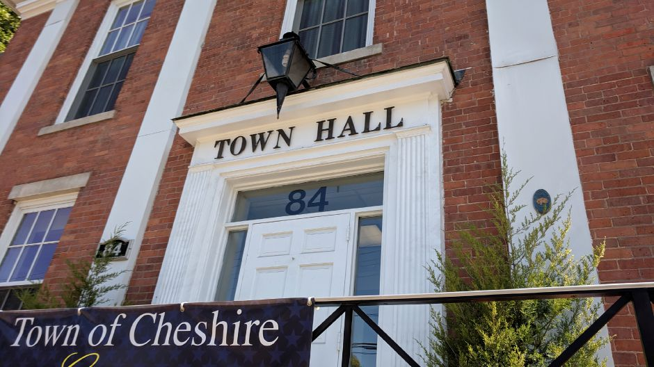 Cheshire city leaders and municipal unions to discuss contracts that expire in June