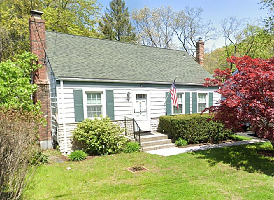 Shirley Kirk EST and Thomas Connors to 651 South Elm St. LLC, 651 S. Elm St., $185,000.
