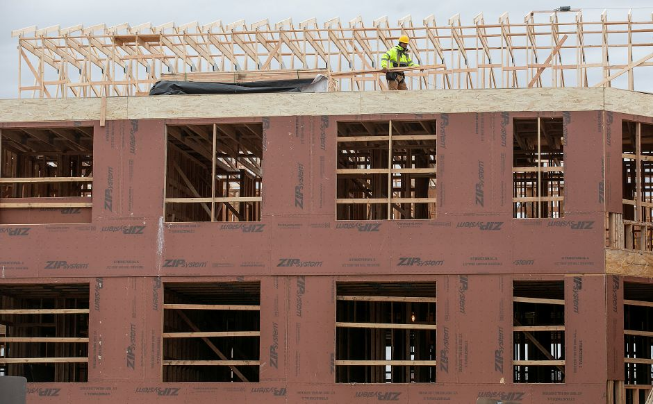 View from Crown Street shows continuing work on an 81-unit, mixed-income housing development in downtown Meriden, Fri., Jan. 10, 2020. Dave Zajac, Record-Journal