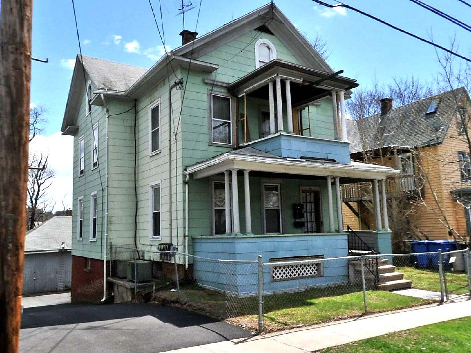 James F. Towne to Spencer Sheffield, 70 Linsley Ave., $108,500.