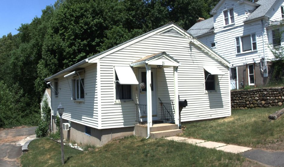 FNMA to Eric Peterson, 21 Burwell Ave., $157,000.