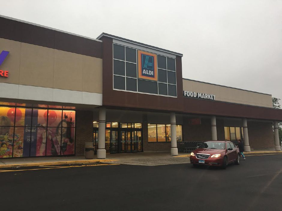 June 2017: Aldi carries on the legacy of a grocery store in the now-Kohl