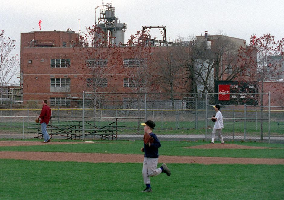 Little league baseball players practice on Cytec Little League Field , Tuesday April 25, 2000.