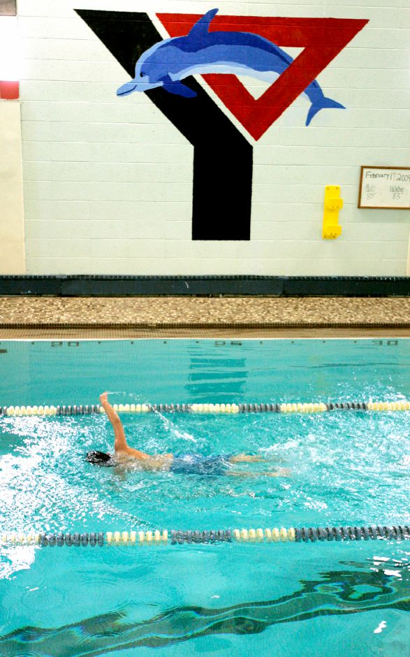 The Wallingford Family YMCA's youth swim program, the Wallingford Dolphins, is among the youth and recreation sports programs across the state that are on pause until January 19 under the directive issued last Thursday by Gov. Ned Lamont. Record-Journal file photo