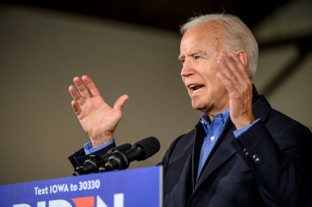 Democratic presidential candidate former Vice President Joe Biden speaks to local residents, Saturday, Nov. 23, 2019, in Des Moines, Iowa. (AP Photo/Justin Hayworth)