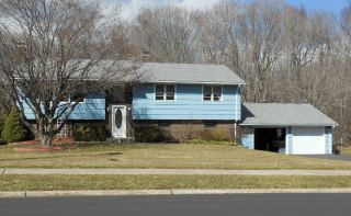 Thomas J. Szabo to Jennifer Spinola, 388 Dryden Drive, $366,000.