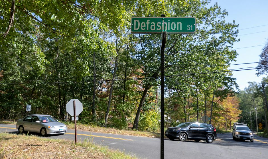 Defashion Street at County Road in Southington, Wed., Sept. 23, 2020. Dave Zajac, Record-Journal
