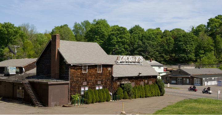 The former home of Jacoby's Restaurant at 1388 E. Main St. in Meriden, Thursday, May 14, 2015. Taino Smokehouse, a Texas-style barbecue and smokehouse is opening up a location there, City Economic Development Director Juliet Burdelski said Thursday.  |  Dave Zajac/Record-Journal