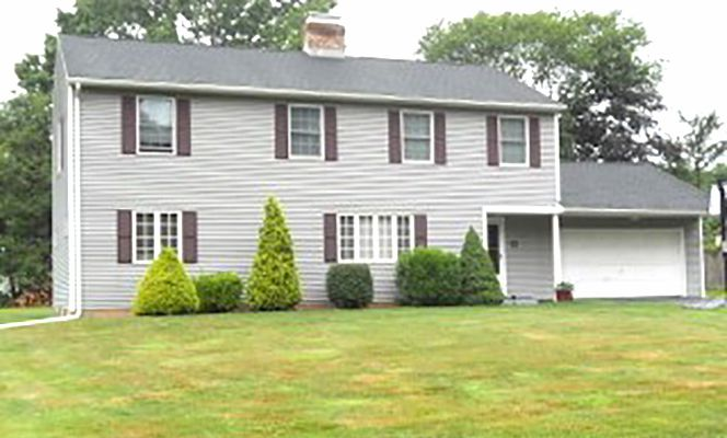 Susan T. Hardej and Dale R. Harney to Majid M. Chaudhry, 261 Carlton Drive, $329,900.