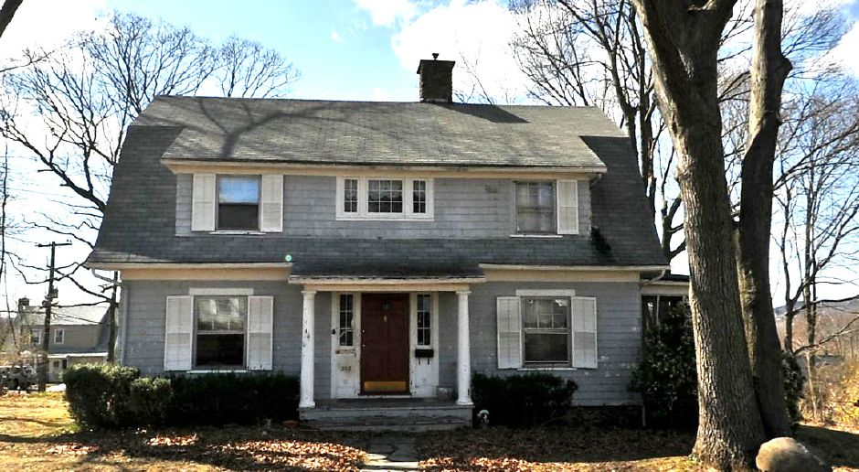 Julie Papacoda to Gregory Purcell, 257 Columbus Ave., $234,000.