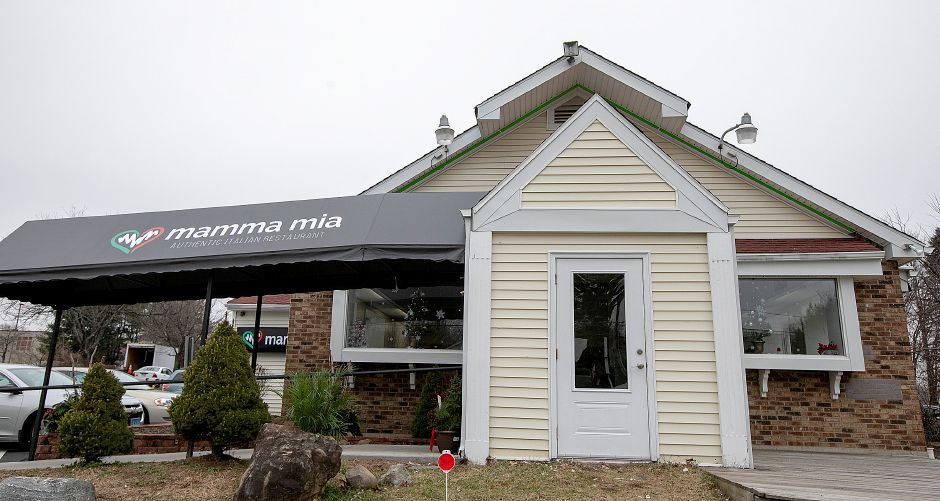 The  Mamma Mia Restaurant at 1765 Meriden-Waterbury Tpke. in Southington, Fri., Nov. 30, 2018. Dave Zajac, Record-Journal