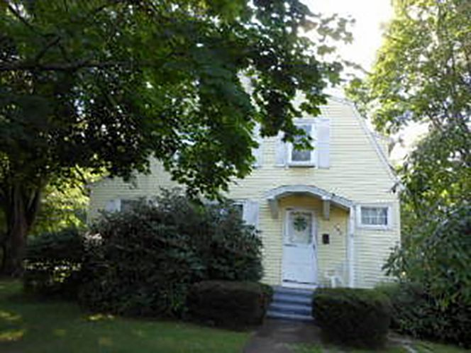 Marjorie J. Jerin to Loomis Group LLC, 643 Maple Ave., $190,000.
