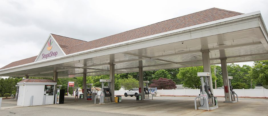 The Stop & Shop gas station in the Centennial Plaza in Meriden, Thurs., May 28, 2020. Stop & Shop will close its grocery store and gas pumps in Centennial Plaza this fall, citing lackluster sales and low traffic numbers for its decision. Dave Zajac, Record-Journal
