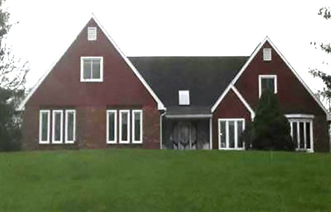Gil Guillermo-Mor and Anette Mor to Brian C. Leddy, 817 Wallingford Road, $527,000.