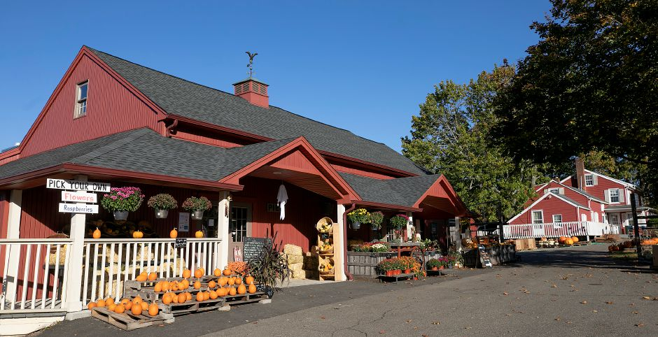 Old Bishop Farm, 500 S. Meriden Rd., Cheshire, Wed., Oct. 14, 2020. Dave Zajac, Record-Journal