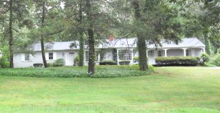 Lucille H. Krasnovsky (estate of) to Michael S. Durkee, 867 Ives Row, $290,000.